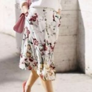 Zara Inverted Front Pleat Floral Skirt, Sz M